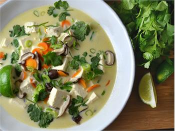 Thai Coconut Soup with Lemongrass