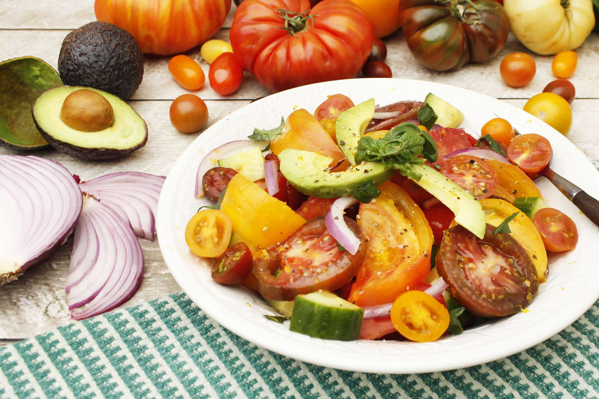 Refreshing Heirloom Tomato Salad